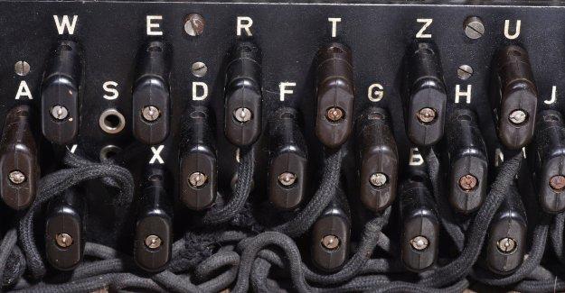2. Dünya Savaşı'nın Şifre Makinesi Enigma Sergiye Çıktı