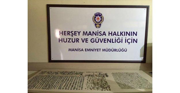 Manisa'da tarihi eserler ele geçirildi