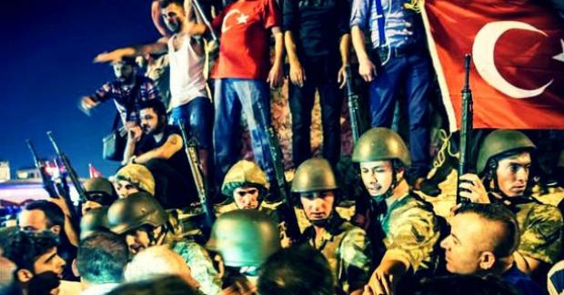Darbe girişimi sırasında vatandaşların öldürülmesi böyle görüntülendi (+18 Görüntüler)