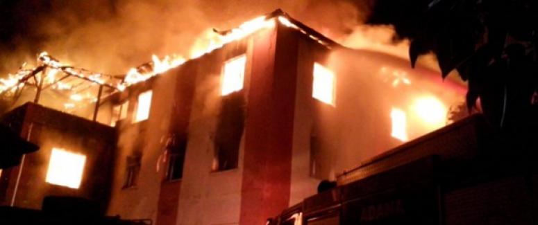 Adana'da öğrenci yurdunda yangın: 11'i öğrenci 12 kişi hayatını kaybetti!
