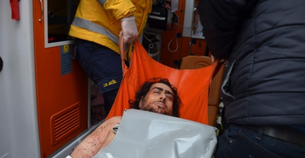 Annesini 243 yerinden bıçaklayarak vahşice öldüren adam serbest bırakıldı