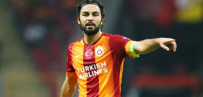 Fenerbahçe taraftar sitesinin Selçuk İnan anketi tartışma konusu oldu