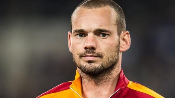 Takım, Sneijder ile konuşmuyor!