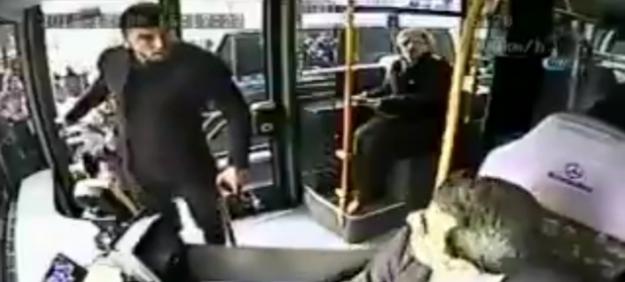 """Burak Yılmaz ile tartışan otobüs şoförü, """"Yarın lisansımı iptal edecekler"""""""