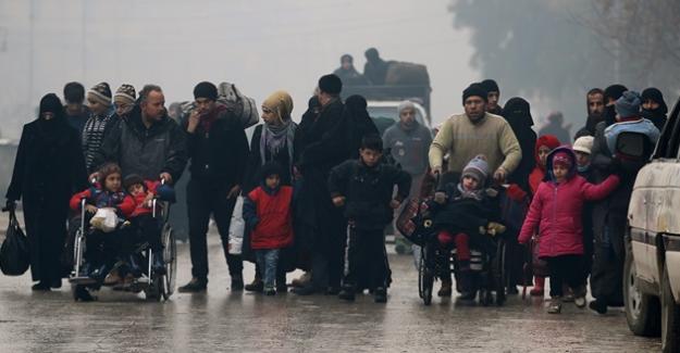 """Rusya'dan son dakika Halep açıklaması, """"Tahliyeler devam ediyor"""""""