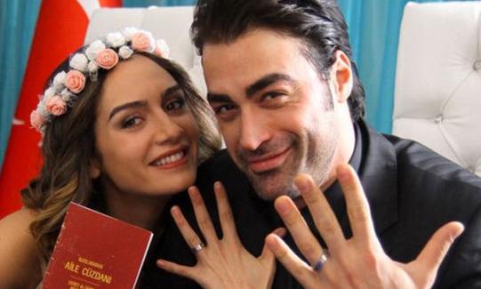 Birce Akalay, Sarp Levendoğlu'nun fotoğraflarını sildi! Ayrılıyorlar mı?