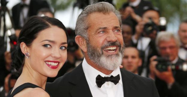 Mel Gibson dokuzuncu çocuğunu kucağına aldı