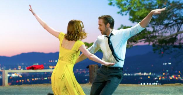"""Ryan Gosling ve Emma Stone'un """"La La Land""""i Altın Küre Ödüllerine damga vurdu"""