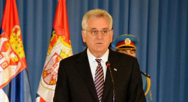 Sırbistan, Kosova'ya asker göndermekle tehdit etti
