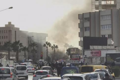Son dakika: İzmir Adliyesi yakınında patlama!