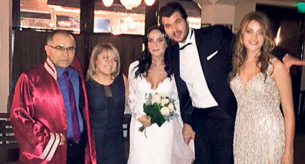 Tarık Akan'ın oğlu Barış Akan nişanlısı Asya Engin ile evlendi