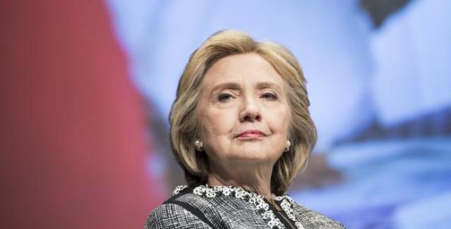 Hillary Clinton, Trump karşıtlarını finanse edecek
