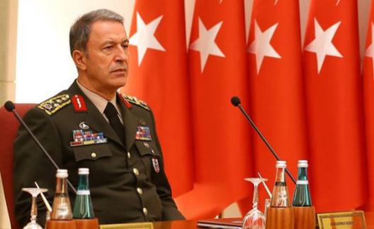 """Ahmet Hakan, """"Hulusi Akar başarısız ama hain değil"""""""