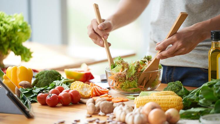 Tedavide doğru beslenme ve diyet önemli rol oynuyor