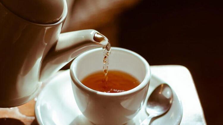 Çay şekerli mi içilir, şekersiz mi tartışmasına Dadaşlar kıtlama dedi