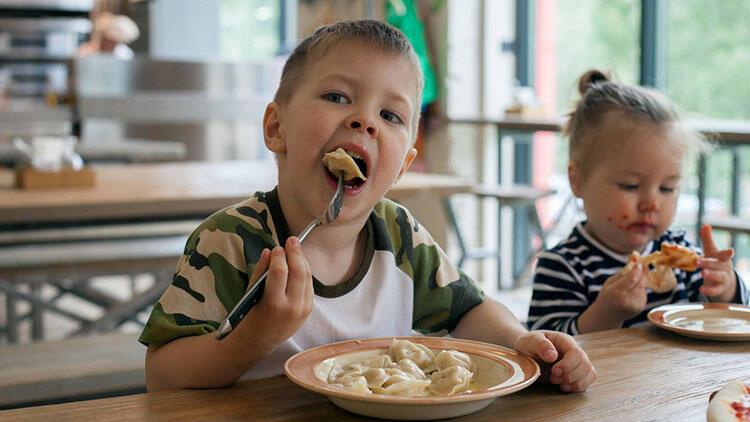 2. Yiyecekleri eğlenceli şekillere ve boyutlara dönüştürün