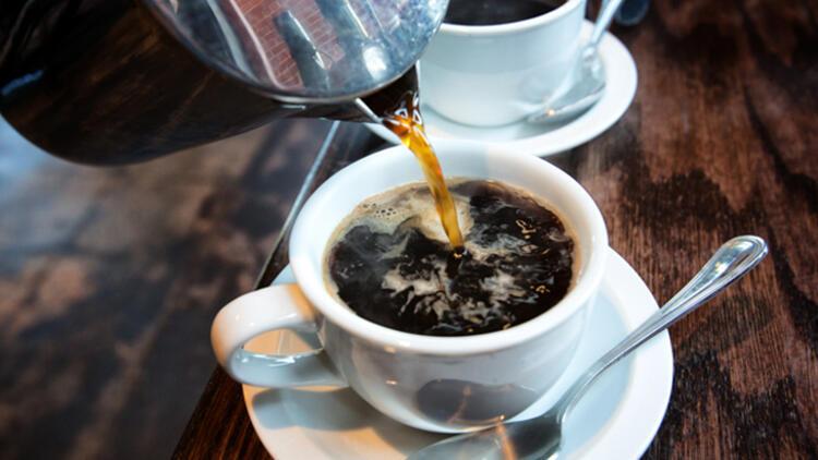 Kahveye tereyağı eklemek