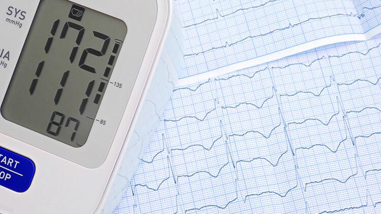Koronavirüs  Hipertansiyon Ⅴe Kalp Hastalarının