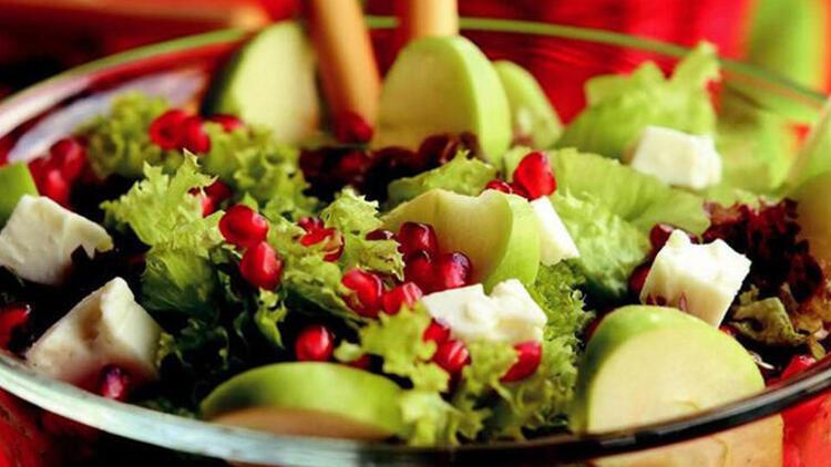 İftar sofrasında mutlaka salata olsun