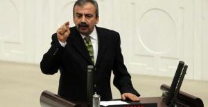 """Sırrı Süreyya Önder, """"Siyaseti bırakıyorum"""""""