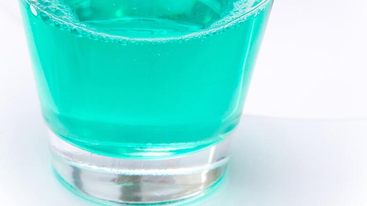 Alkol bazlı gargaralar koronavirüsü önlemez