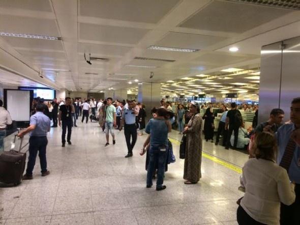Atatürk Havalimanı'ndaki Patlamadan İlk Fotoğraflar