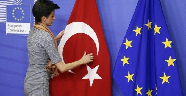 AB Türkiye'ye vize muafiyetini askıya alma koşulu istedi