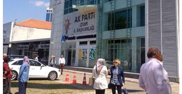 AK Parti binasında zehirli gaz yayıldı