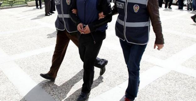 İzmir'de FETÖ operasyonunda tutuklama!