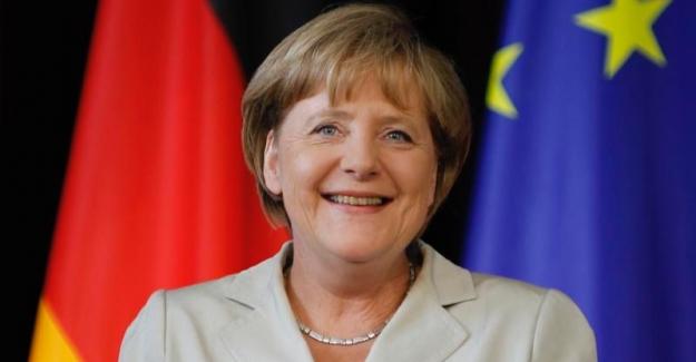 """Merkel Türkiye ziyaretinde """"Yükü paylaşıyoruz"""" mesajı verecek"""