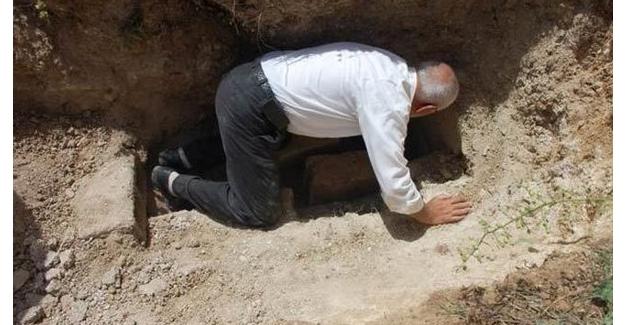 Mezarlığı açtıktan sonra cesedi taşımak istediler