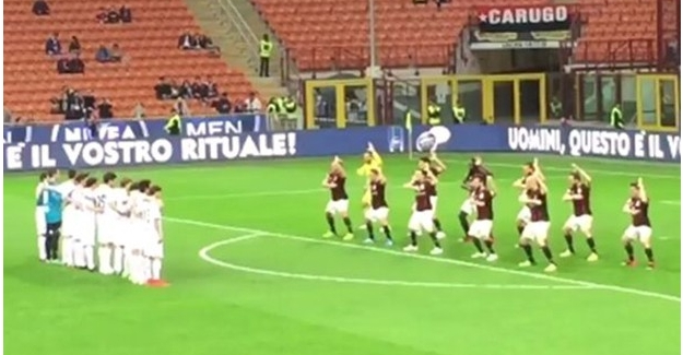 Milan futbolcuları Haka Dansı yaptı