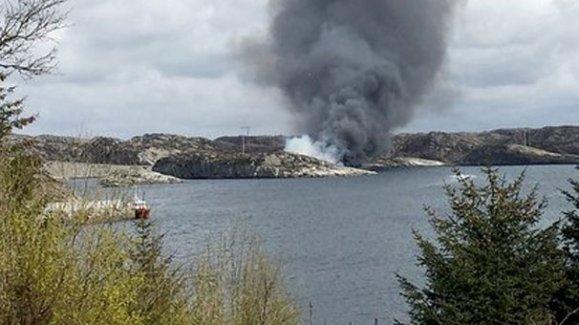 Norveç'te 17 kişiyi taşıyan helikopter sahile düştü