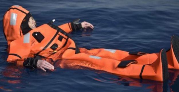 Norveçli göçmenlik bakanı denize atladıktan sonra kurtarılmayı bekledi