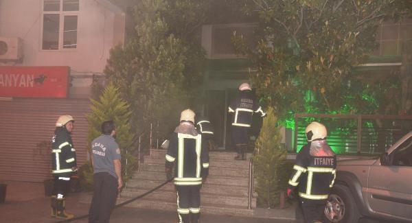 Adana'da Yeraltı Kulübünde Yangın