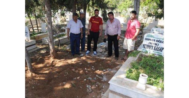 Suphi Altındöken'nin mezarı mı diye açıp baktılar!