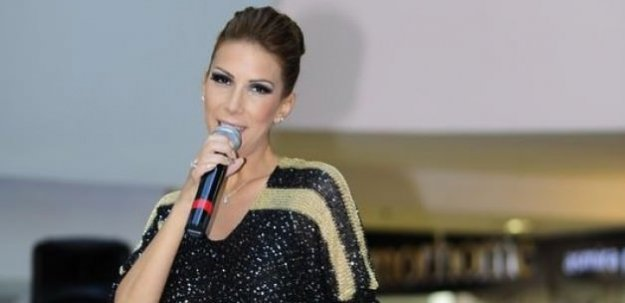 Tuğba Özerk Kimdir? 'Aynı Semtin Çocukları' 2016 albümü çıktı
