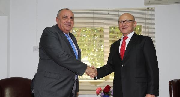 Tuğrul Türkeş, KKTC'de Mehmet Ali Talat ile görüştü
