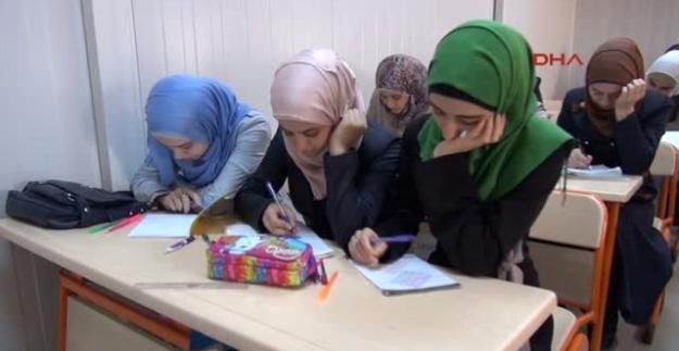 Üniversitelerde 10.000 Suriyeli öğrenci okuyor