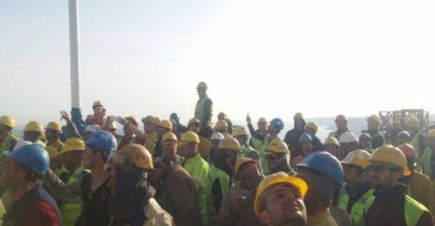 """Yavuz Sultan Selim Köprüsü'nde işçiler eylem yaptı! """"İkramiye"""" eylemi"""