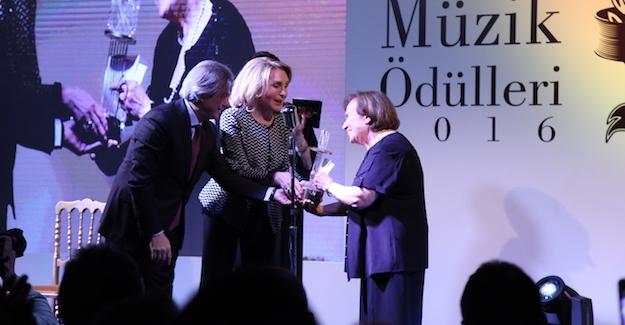 6. Donizetti Klasik Müzik Ödülleri Düzenlenen Geceyle Sahiplerini Buldu