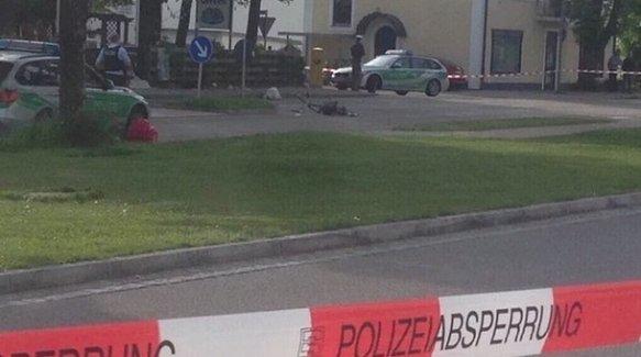 """Almanya'da """"Allah-ü Ekber"""" diye bağırıp saldırdı: 1 ölü, 3 yaralı"""