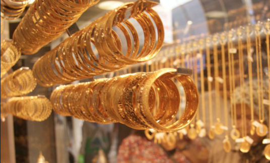 Altın fiyatlarının tavan yapmasıyla kuyumcular sinek avlamaya başladı