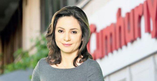 Aslı Aydıntaşbaş Cumhuriyet Gazetesi'ne transfer oldu