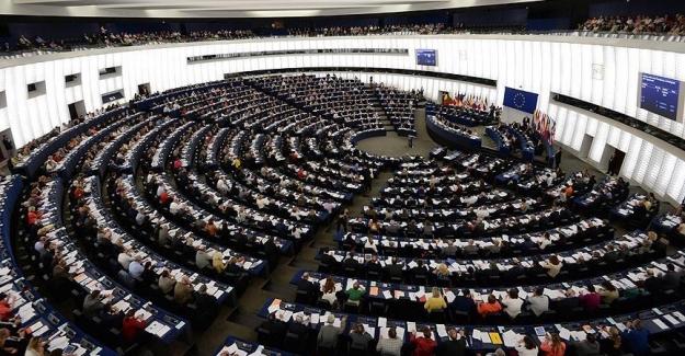 Avrupa Parlamentosu, Türkiye'nin vize serbestisi için olağanüstü toplanma kararı aldı