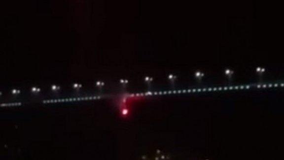 Boğaz Köprüsü'ndeki Beşiktaş bayrağını Fenerbahçeliler yaktı