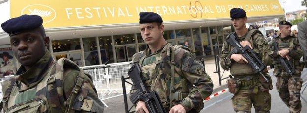 Cannes Film Festivali için Fransa'da 400 asker