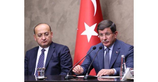Davutoğlu'nun Bosna ziyareti öncesinde iki koltuk vekaletsiz kaldı