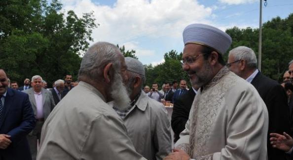 Diyanet İşleri Başkanı Görmez: Tüm Müslümanlığın umutları şu anda bize bağlı