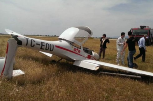 Edremit'te eğitim uçağı düştü